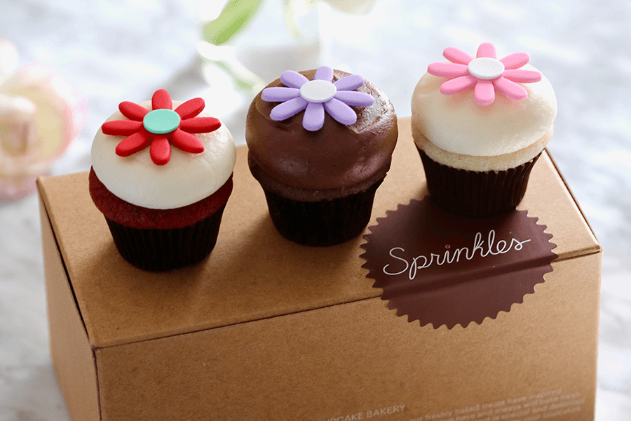 The cupcakes are great and the flavors rotate. My favorites are the cupcakes that incorporate cinnamon and coffee. The manager really did so much to make a previous experience better.7/10(K).