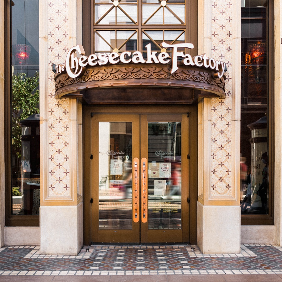 Outdoor Dining Cheesecake Factory at The Grove LA